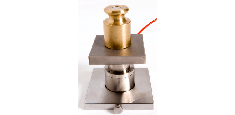 Easily measure the thermal conductivity of metals such as stainless steel.